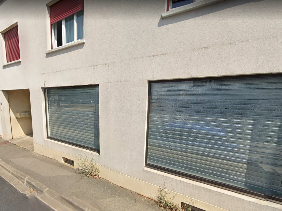 LOCAL COMMERCIAL SUR RUE 59M² A LUCE